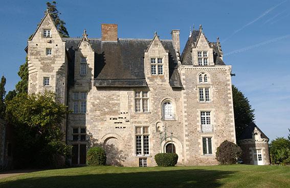 De la forteresse à la résidence - Musée-château de Villevêque